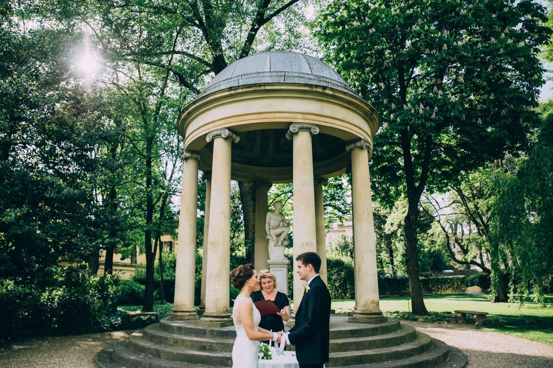 wedding-in-italy-tuscany-sam-lauren-tuscanpledges-02